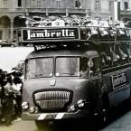 Lambrette in Piazza Garibaldi