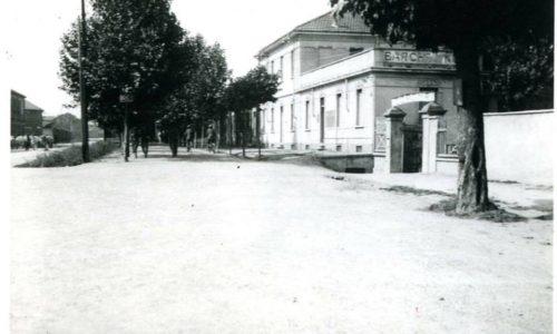 Ingresso da Sp.to Borgoglio, dello stabilimento CORONA, dove si affittavano le barche e si facevano i bagni.