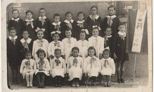 Una bella scolaresca presso le scuole di Gamalero (Anni '30 / '40 circa…)