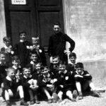 Anno: 1959 Luogo: cortile della scuola Bovio Classe: IV